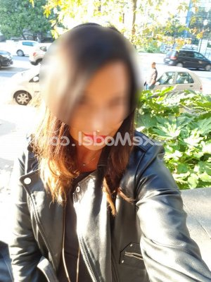 Nazik escort girl à Draguignan