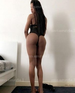 Mary-ann lovesita massage tantrique à Lannilis