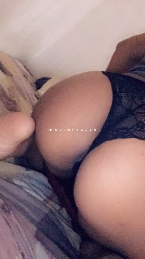 Marie-cindy lovesita escorte girl massage érotique